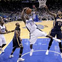 Off-target Pacers do enough to beat Magic