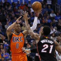 Westbrook leads Thunder past Heat