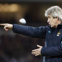 Pellegrini perseveres despite being in difficult position