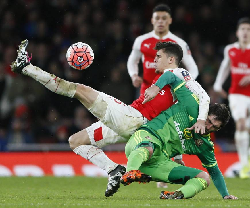 Arsenal rallies to advance in F.A. Cup