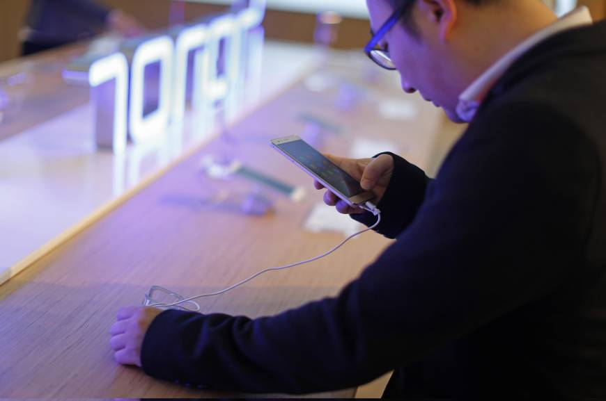 China's smartphones gaining ground with same bang, less buck