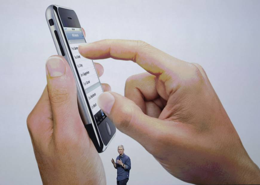 Japan iPhone shipments dip 10.6 percent in 2015, first drop since 2008 debut