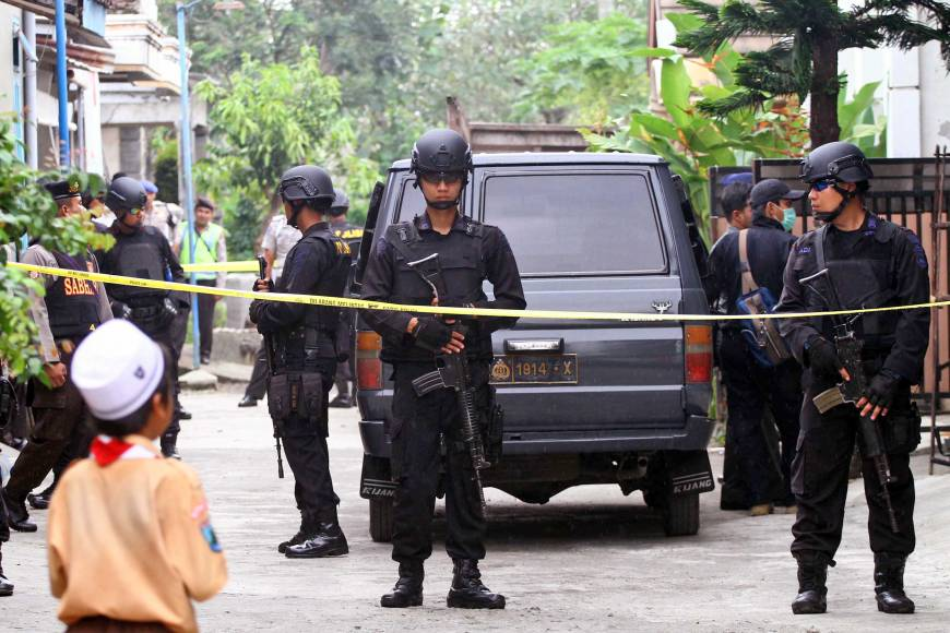 Indonesian police arrest 41 suspected Islamic militants