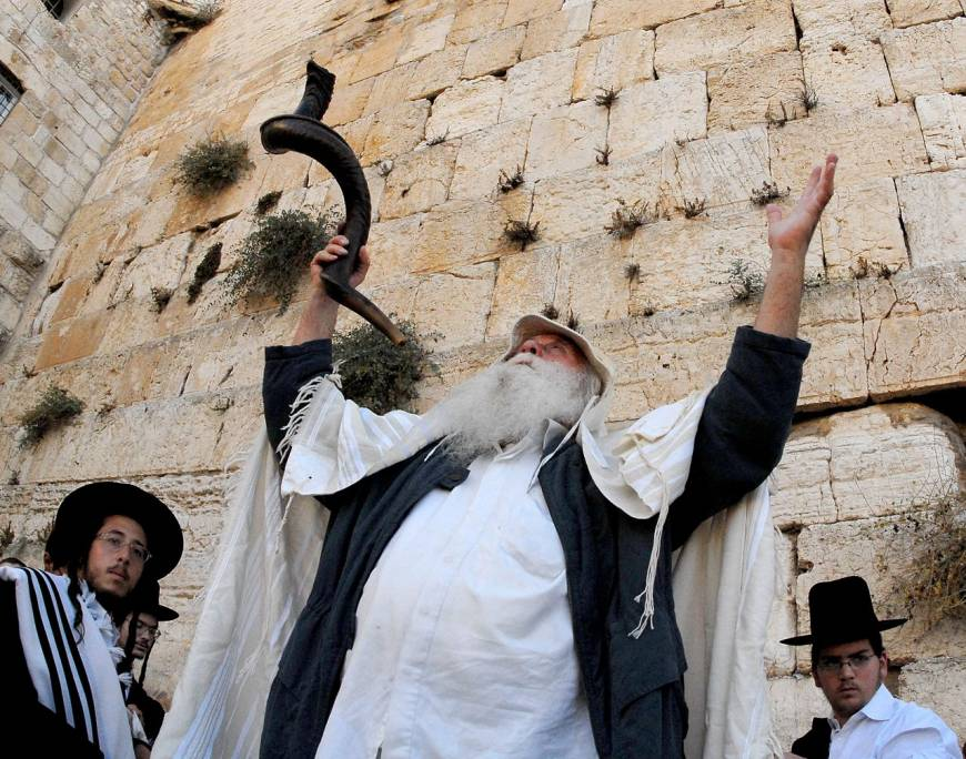 Women to be able to pray at Western Wall as Israel approves mixed-sex site