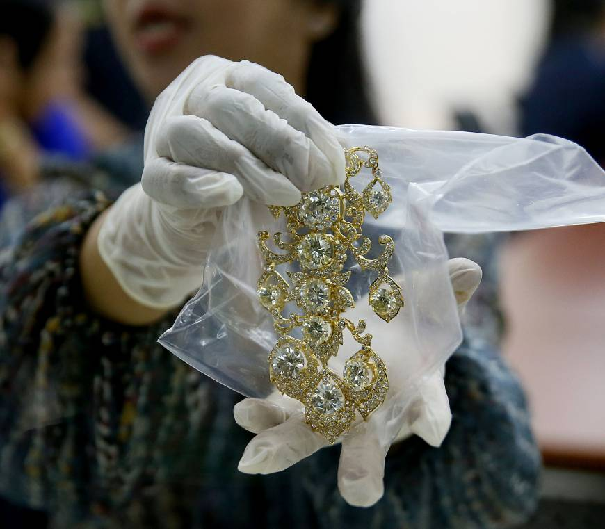 Philippines to auction Imelda Marcos jewelry stash, now valued at $21 million