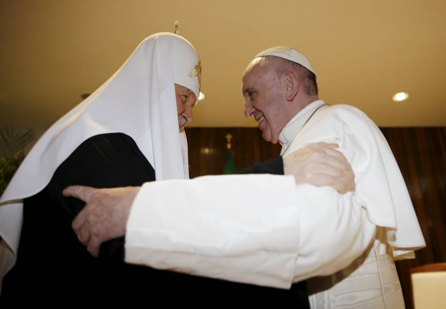 Pope meets Russian Orthodox leader, a first in 1,000-year schism