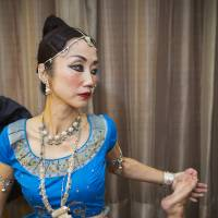 Ono limbers up before her performance at The Oberoi hotel in Delhi. | CHRISTINA SJOGREN