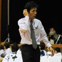 Shinshu coach Koju Munakata, seen in a file photo, has led the Brave Warriors to six straight wins. | WIKIPEDIA