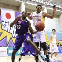 Akita sends Tokyo to 28th straight defeat