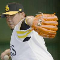 Pain-free Matsuzaka tosses 100-pitch session at camp