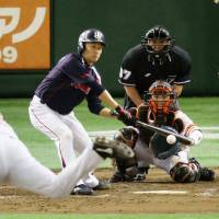 Swallows' veteran pitcher Ishikawa no automatic out in batter's box
