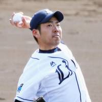 Lions' Kikuchi delivers heat in intrasquad contest