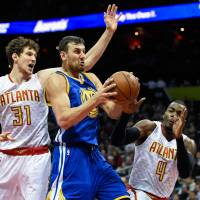 Warriors rally for 50th win