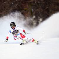 Gut retakes World Cup lead as Vonn crashes out