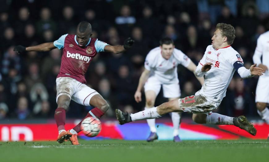West Ham ousts Liverpool in Cup