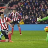 Maya Yoshida scores for Southampton in Saturday's 1-0 win over West ham. | REUTERS