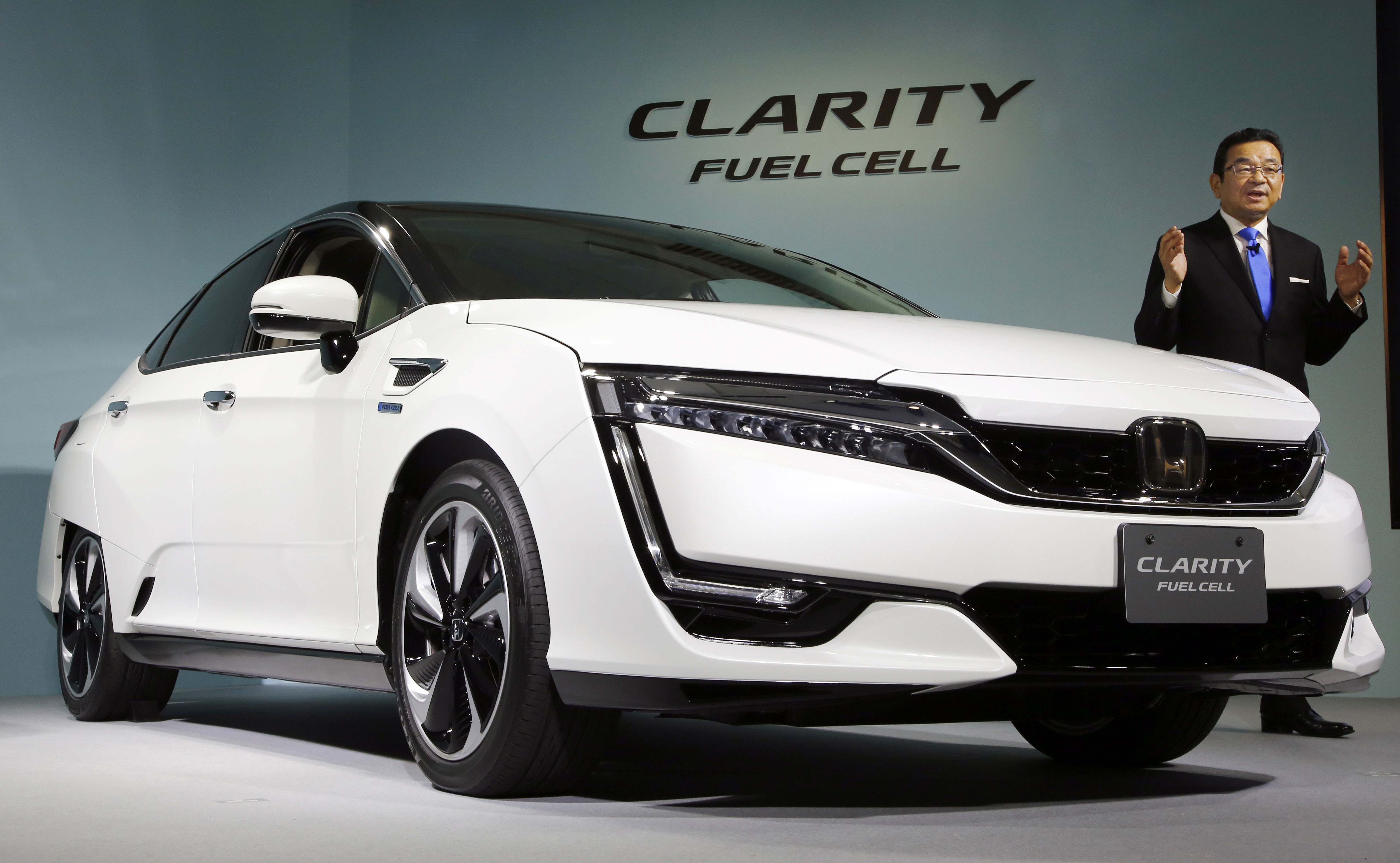 Honda debuts Clarity, its first mass production hydrogen ...