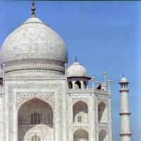 Diana, Princess of Wales, sits in front of the Taj Mahal in Agra, India, during a photo opportunity in this file picture taken on Feb. 11, 1992.   SCANNED FROM NEGATIVE REUTERS / ULLI MICHEL / FILES REUTERS