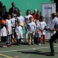 Obama White House hosts last Easter Egg Roll, adds fun run