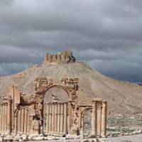 Part of the ancient Syrian city of Palmyra, 215 km northeast of Damascus, is seen in March 2014. Palmyra, which was seized by the Islamic State group in May 2015, is an archeological treasure that was declared a UNESCO world heritage site in 1980. | AFP-JIJI