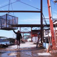 Occupational drama: The new documentary 'Kaki Koba' ('Oyster Factory'), directed by Kazuhiro Soda, highlights some of the myriad problems facing the Japanese labor force. It's part of a wave of films in the oshigoto (work) genre. | © LABORATORY X, INC.
