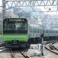 East Japan Railway Co.'s new E235 series is being tested on Tokyo's central Yamanote Line. | COURTESY OF JR EAST