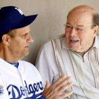 Ex-catcher Garagiola, a talented broadcaster for decades, dies at 90