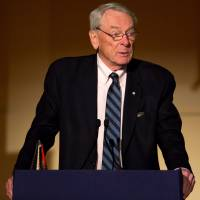 Dick Pound, the former president of the World Anti-Doping Agency, believes Russia is procrastinating in dealing with doping issues that jeopardize the participation of its track and field athletes at the Rio Olympics. | AFP-JIJI