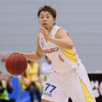 Sendai 89ers guard Takehiko Shimura, seen in a file photo from a recent game against the Tokyo Cinq Reves, scored 17 points and handed out a game-high nine assists in 93-85 road win over the Iwate Big Bulls on Saturday. | KAZ NAGATSUKA