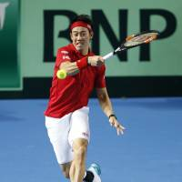 Kei Nishikori gave it his all in a five-set loss to Andy Murray on Sunday in their Davis Cup World Group reverse singles match in Birmingham, England. | REUTERS