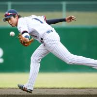 The Swallows' Tetsuto Yamada established himself as the top all-around player in the Central League last season. | KYODO