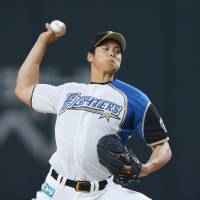 The Fighters Shohei Otani (top) was the top pitcher in the PL last season, while the Lions' Shogo Akiyama set the league's single-season hits record with 216. | KYODO