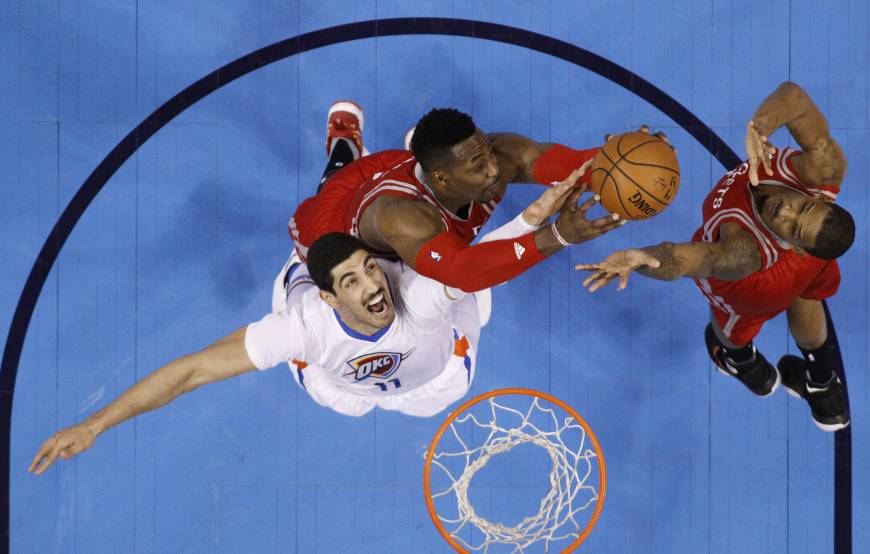 Westbrook shines in Thunder win