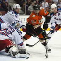 Klein's first two-goal game sparks Rangers