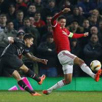 Liverpool eliminates Man United with draw