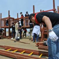 Building a playground at Aoi Area, Higashi-Matsushima 東松島、あおい地区での遊具設置 | PHILIP  MORRIS JAPAN