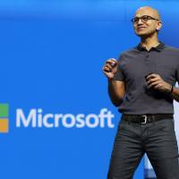 Microsoft sues for right to tell customers if U.S. is prying into their online data