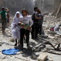 Assad blamed for ethnic cleansing as deaths mount amid Aleppo airstrikes, shelling