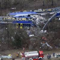 German train dispatcher playing game on cellphone just before fatal February head-on