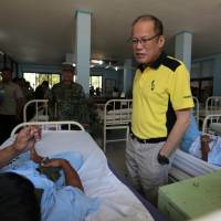 Philippines' Aquino vows to 'neutralize' Abu Sayyaf kidnappers