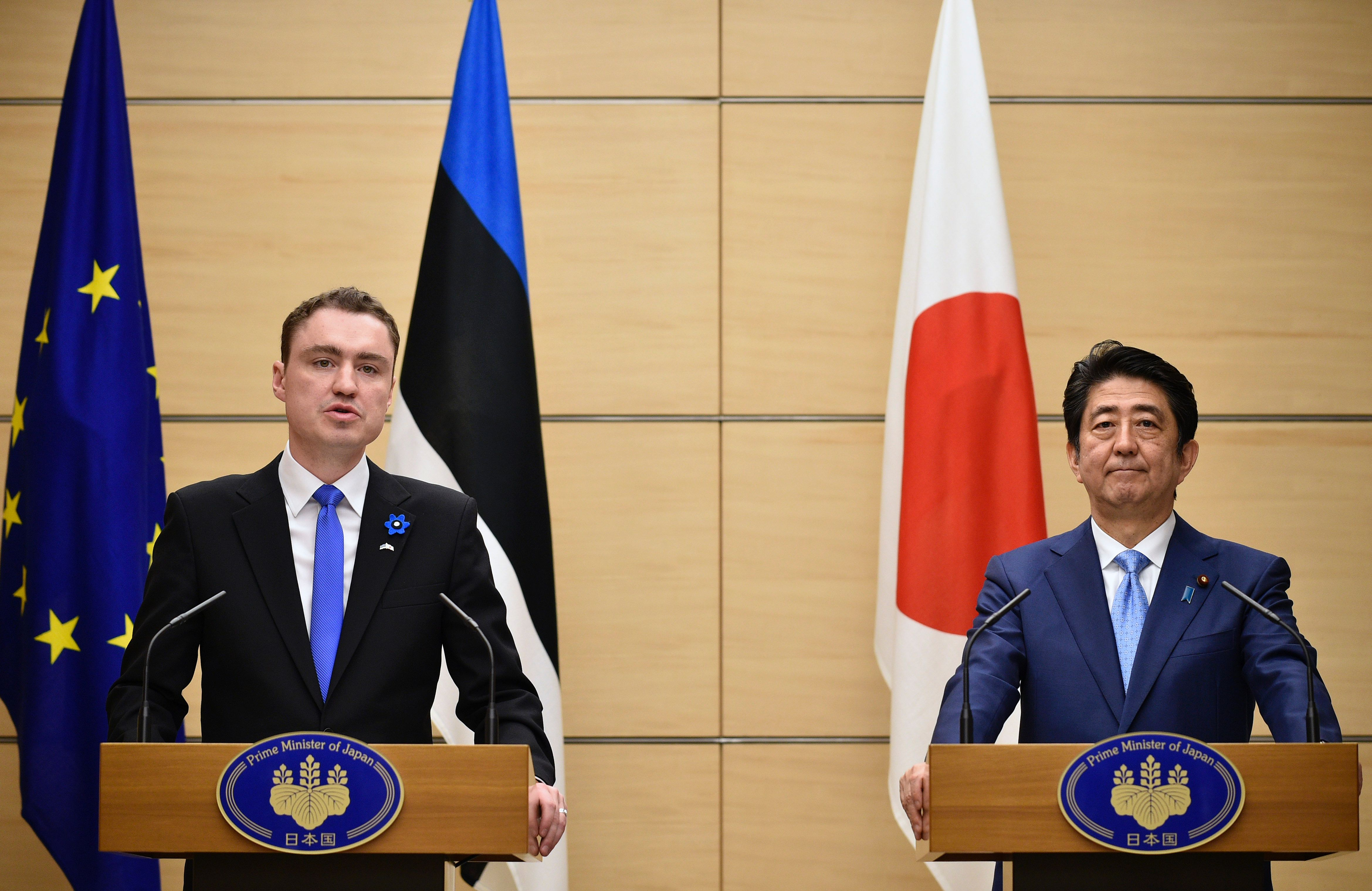 Estonian Prime Minister Taavi Roivas and Prime Minister Shinzo Abe hold a joint news conference at Abe's official residence in Tokyo on Friday. Roivas is on a six-day visit to Japan. | AFP-JIJI