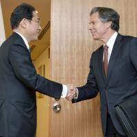 Japan, U.S. pledge to strengthen coordination over North Korea