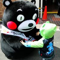 Kumamoto's Kumamon muscles in on quake fundraising
