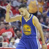 Drug dealers use Curry's likeness to market heroin