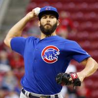Arrieta tosses no-hitter against Reds