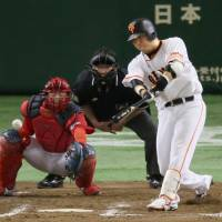 Murata keeps focus to lift Giants past Carp
