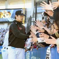 Kiyota, Navarro lift Marines as starter Wakui remains unbeaten