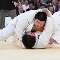 Ojitani captures national title;  Harasawa earns Rio berth