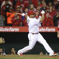 Pujols' walk-off single lifts Angels