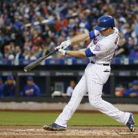 Red-hot Walker lifts Mets past Reds